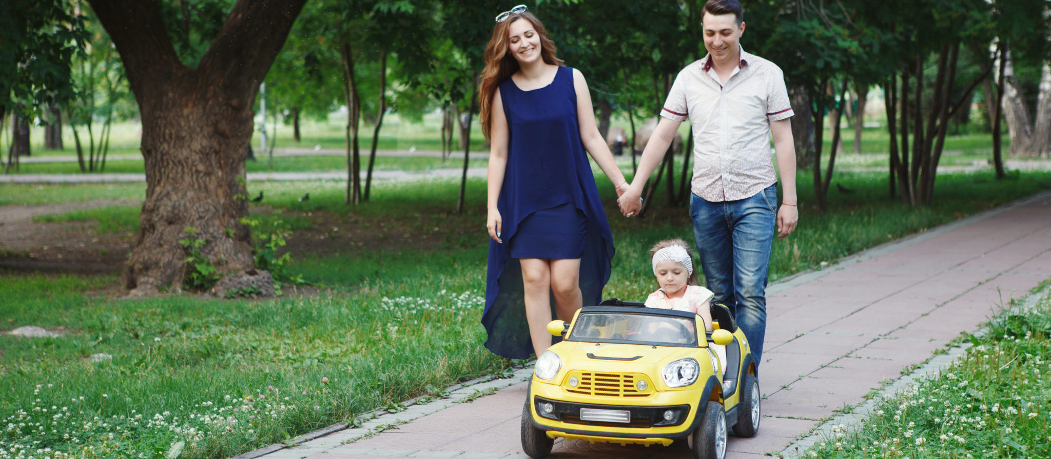 Spend precious time with your kid as they plan on their Mercedes Power Wheels 2 Seater!